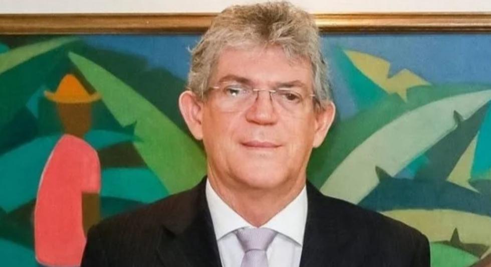O Globo repercute exonerações de delegados após envolverem nome de Ricardo na Operação Cartola