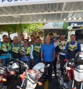 Zé Aldemir atende categoria e entrega padronização de postos de mototaxi