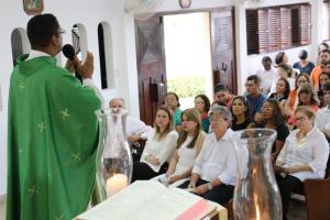 João participa de missa, vota e se diz confiante com resultado da eleição