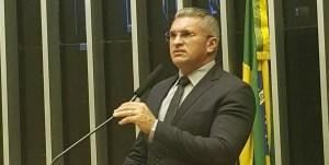 Mais Médicos: Julian rebate Ricardo e diz que socialista é a favor do trabalho escravo no Brasil
