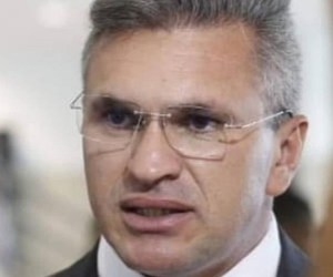 """Julian Lemos: """"Enquanto Bolsonaro está preocupado em resolver os problemas dos nordestinos, João Azevêdo brinca de ser """"resistência"""""""