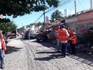 PMJP auxilia mudança das famílias para o Novo São José e inicia trabalhos de demolição das antigas moradias