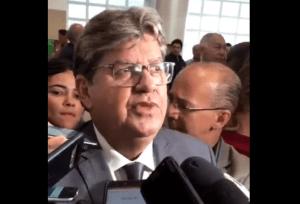 """CERIMÔNIA: João diz que diplomação sela """"responsabilidade"""" com a Paraíba"""
