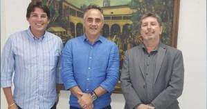 Humberto Pontes adere à bancada de Luciano Cartaxo e base governista chega a 20 vereadores
