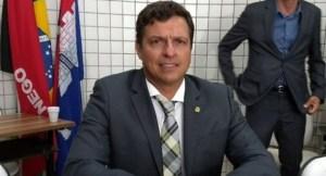 Em Cabedelo, Vitor Hugo perde prazo para substituição de vice e pode ter sua chapa indeferida