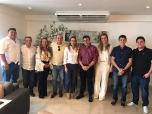 Daniella Ribeiro reúne deputados de oposição em João Pessoa para discutir pauta comum