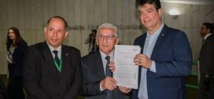 Ruy Carneiro protocola projeto de proteção e bem-estar dos animais