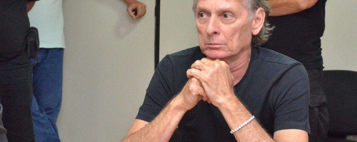 Ministro do STJ rejeita Habeas Corpus e mantém Roberto Santiago na prisão