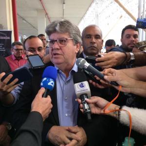 """João rebate Ricardo, diz que G10 é governo e manda recado: """"Não entrei nesse projeto de paraquedas"""""""