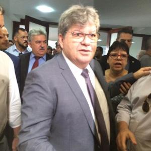 João Azevêdo autoriza obras, inaugura Centro de Atendimento às Mulheres do Cariri e participa do ODE
