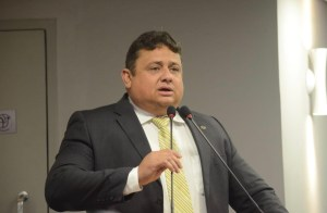 Deputado pede que título de cidadão paraibano concedido a Lula seja revogado