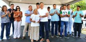 Cartaxo entrega 190 títulos de regularização fundiária e beneficia quase 800 pessoas no Muçumagro