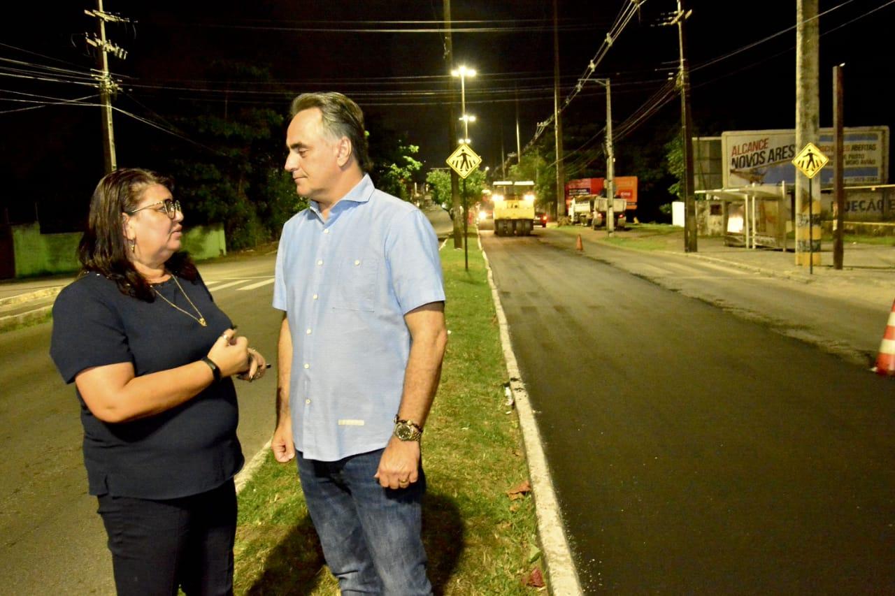 Cartaxo acompanha obras do Ação Asfalto e LED nas Ruas na Tancredo Neves e dá novo padrão às avenidas da Capital