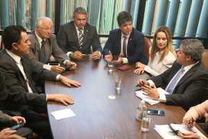 A bandeira que nos une é a bandeira da Paraíba: Ressaltou Efraim ao convocar reunião da bancada para esta terça-feira