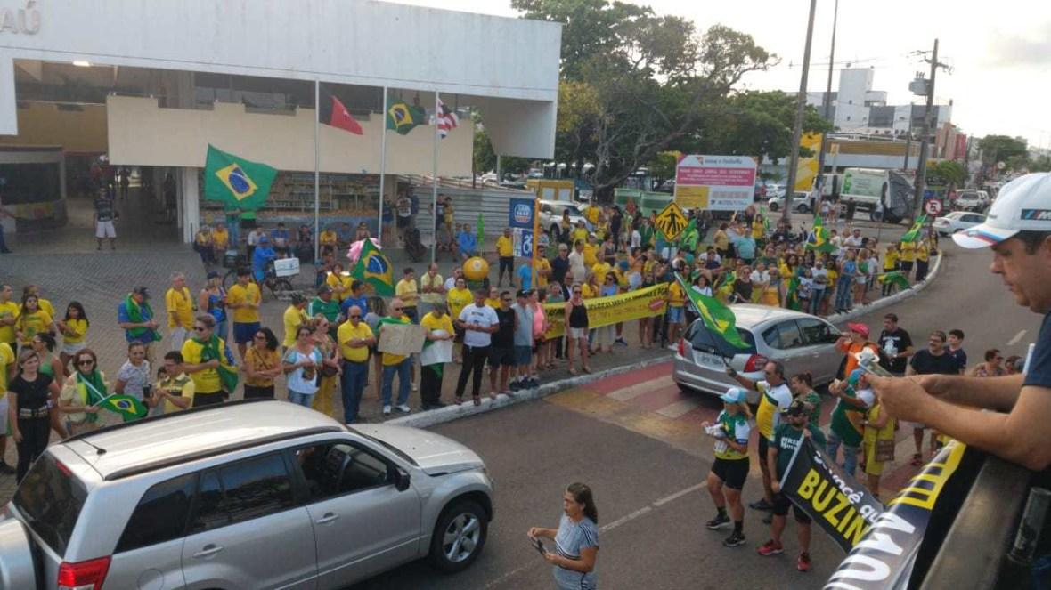 Movimentos de direita protestam contra STF e pedem PECs à bancada em João Pessoa