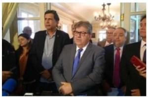 João contrapõe fala de Bolsonaro sobre Lula e diz que petista é bem-vindo à Paraíba
