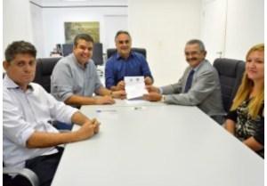 Luciano Cartaxo firma parceria entre PMJP e Ministério Público para fazer o Censo dos idosos em instituições de Longa Permanência na Capital