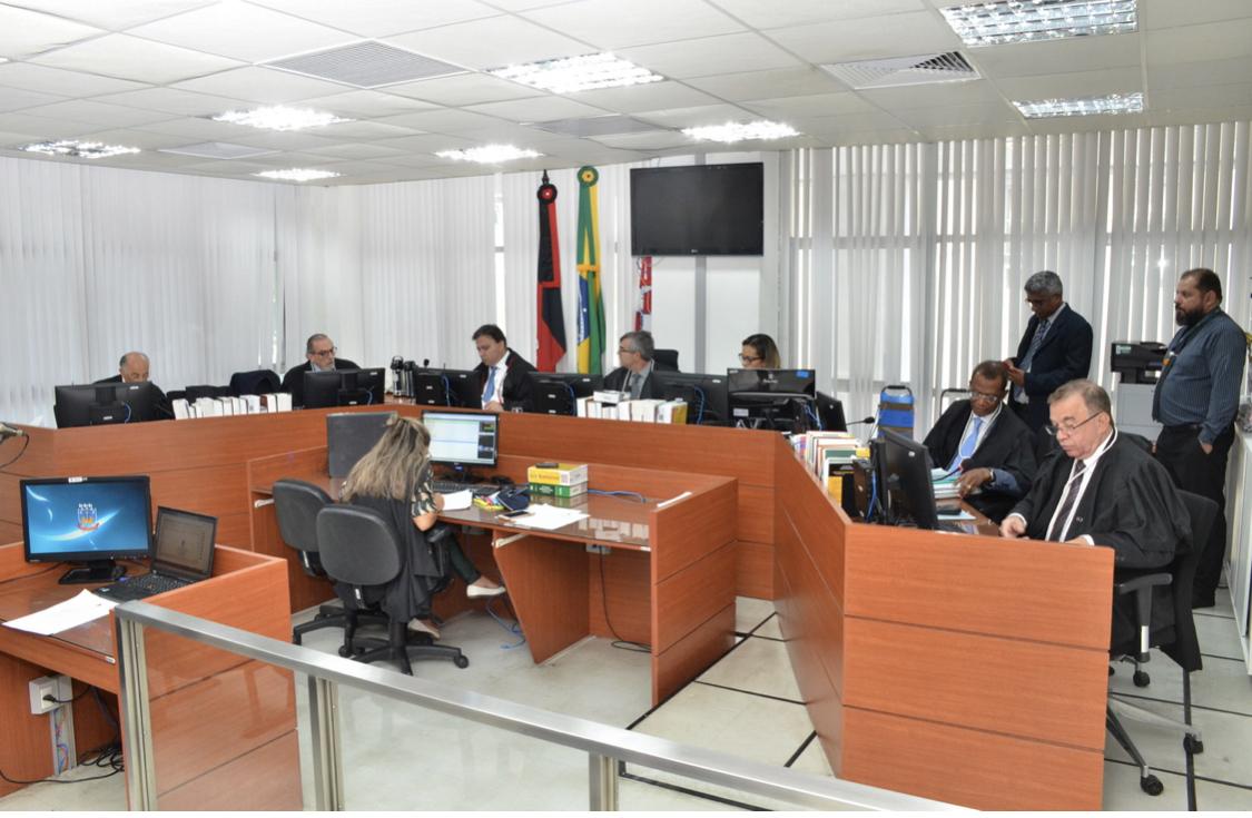 Calvário: Tribunal de Justiça veta envio de processo contra Gilberto para o eleitoral