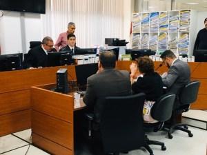 BASTIDORES: Com vergonha da tornozeleira eletrônica, Márcia Lucena não aparece na prefeitura e despacha em casa com secretários