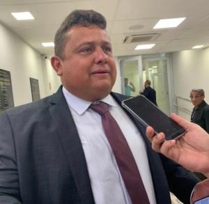 Virgolino protocola pedido de impeachment de João Azevêdo e oposição consegue assinaturas para instalação da CPI da Calvário na ALPB