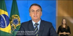 Bolsonaro inclui atividades religiosas como serviços essencias e libera cultos e missas em todo país