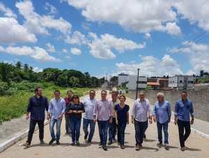 Prefeitura de João Pessoa entrega nova Av. Carmen Miranda e alcança marca de 40 km de novos passeios públicos