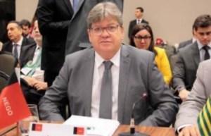 João Azevêdo e governadores repudiam declarações de Bolsonaro e se solidarizam com Rodrigo Maia e Davi Alcolumbre