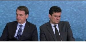 Bolsonaro chama Moro de Judas e questiona investigação da facada