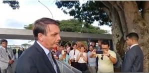 Bolsonaro repudia agressão a jornalistas e diz que responsáveis devem ser punidos