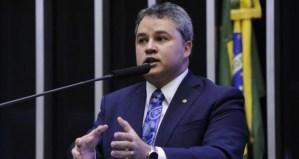 Deputado Efraim Filho defende que governo assuma 100% do risco de créditos para empresas