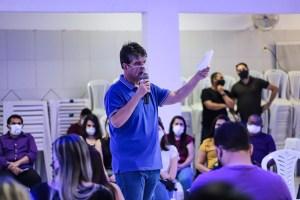 """""""João Pessoa pode oferecer um futuro aos jovens, 38 mil deles nem trabalham nem estudam"""", diz Ruy"""