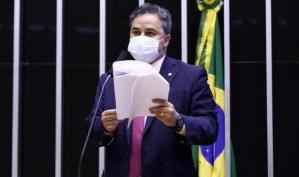 Efraim Filho faz leitura do relatório da MP do crédito e garante emprego e renda