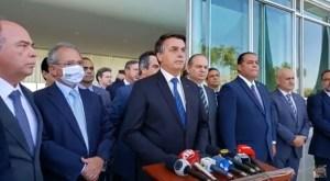 Bolsonaro anuncia prorrogação do Auxílio Emergencial com valor de R$ 300