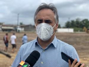 """Cartaxo defende legado da gestão municipal e alfineta Cícero Lucena: """"Nossas habitações têm reboco, piso e qualidade"""""""