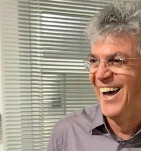 MPE defere pedido de registro de candidatura de Ricardo Coutinho a prefeito de João Pessoa