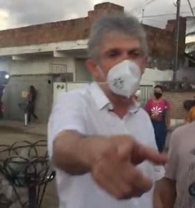 VÍDEO: Incomodado com pergunta sobre tornozeleira, Ricardo Coutinho dá ordem para ex-secretária interromper gravação