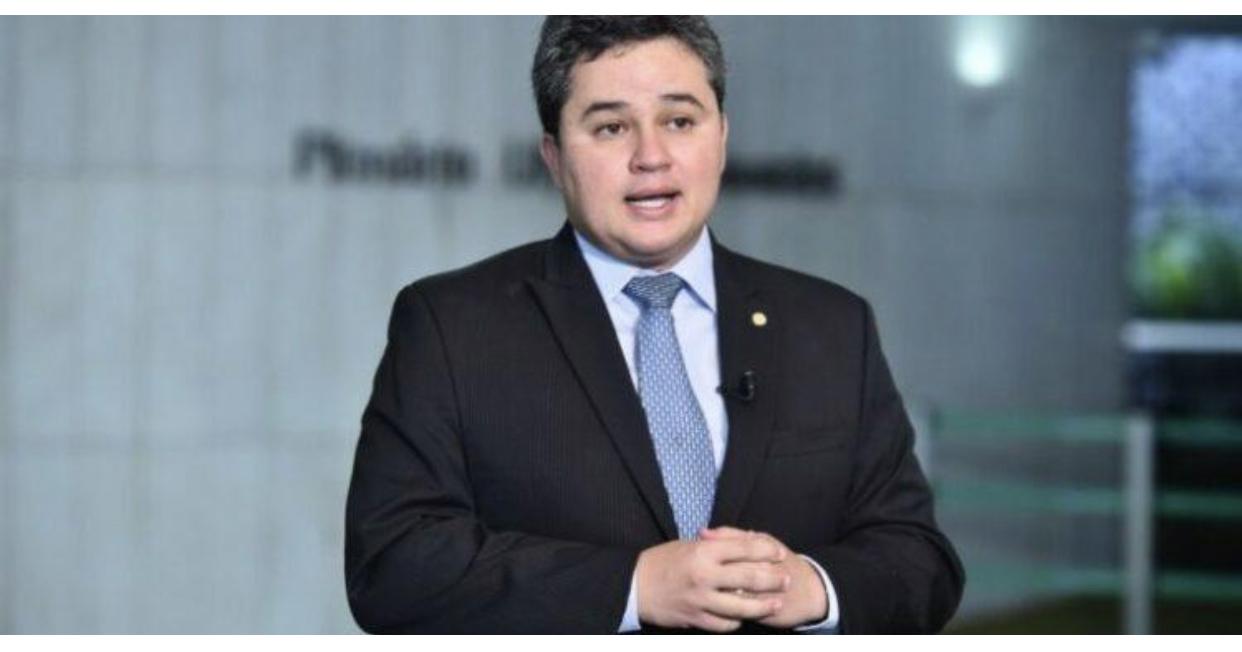 Deputado Efraim Filho destina quase R$1 milhão para construção de matadouro público
