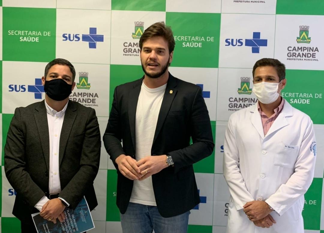 Bruno anuncia que vacinação em Campina Grande terá início já na próxima quarta-feira