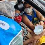 Secretaria de Saúde de Campina Grande vacina 382 idosos, em drive-thru