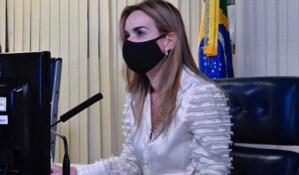Daniella Ribeiro comemora chegada de 70 novos respiradores a João Pessoa