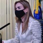 Daniella Ribeiro reforça necessidade de compra de vacinas para frear mortes pela covid-19 no Brasil