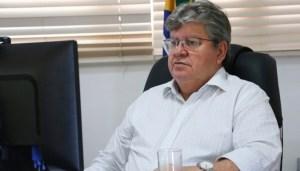 """João Azevêdo rebate críticas ao decreto: """"Não aceitamos o argumento que deixamos bares abertos e fechamos igrejas. Isso é hipocrisia"""""""
