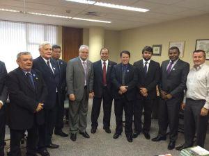 Os parlamentares José Joaquim Guimarães (PSDB), Isaías Pereirinha (PSL), Pedro Lucas Fernandes (PTB) e Fábio Câmara (PMDB) em visita ao Senado Federal
