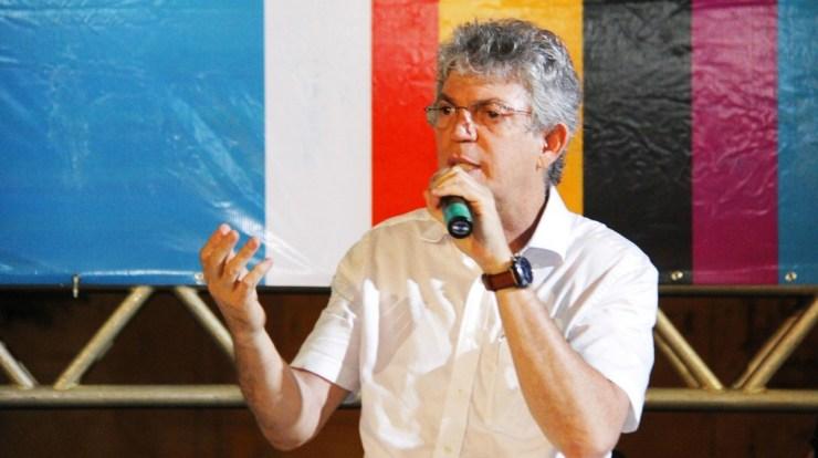 ricardo coutinho ode cajazeiras junior fernandes 740x414 - IBOPE: aprovação do governo Ricardo Coutinho passa dos 80% na Paraíba