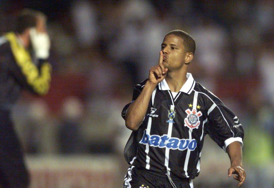 Marcelinho-Carioca Os Dez Jogadores Que Mais Marcaram Gols de Falta no Futebol