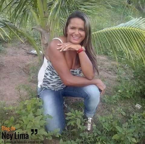 Mãe de dois filhos, Edna Silva morreu no local - Imagens cedidas pelo grupo de WhatsApp Toritama em Foco