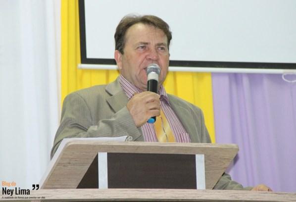 Pastor Domingos Carlos.