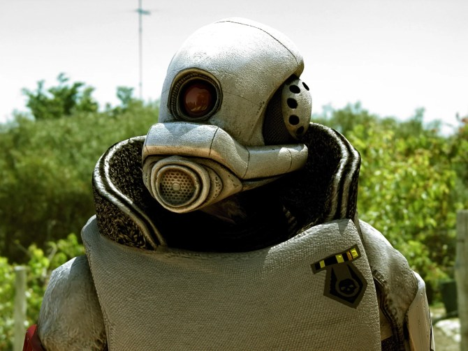 'Combine-Invasion' Half-Life 2 In Real Life! | BLOGDOTTV