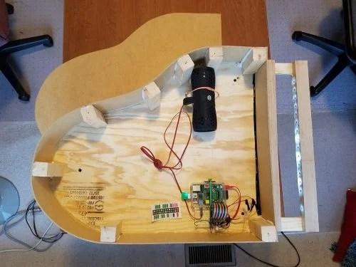 2fishy LED light piano raspberry pi