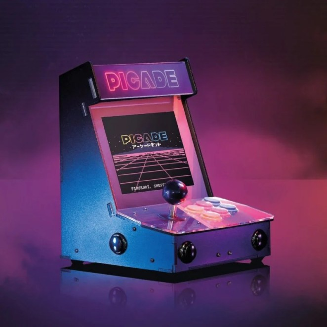 Pimoroni Picade is an expertly crafted miniature arcade machine